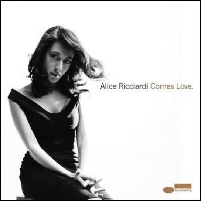Alice_Ricciardi_Comes_Love.jpg